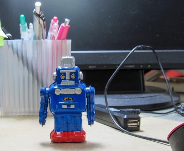 おもちゃのロボット