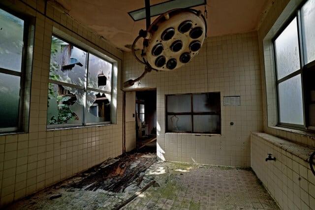 廃病院の手術室跡