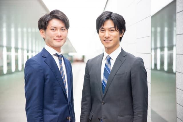 2人の男子新入社員
