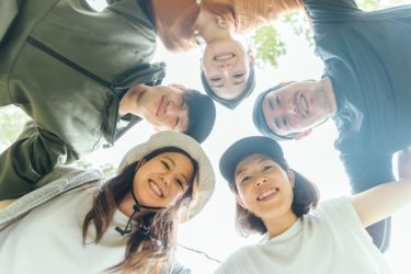 「自助努力」で日本「社会」が単なる「集団」に変化?