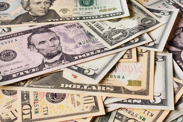 アメリカの紙幣の山