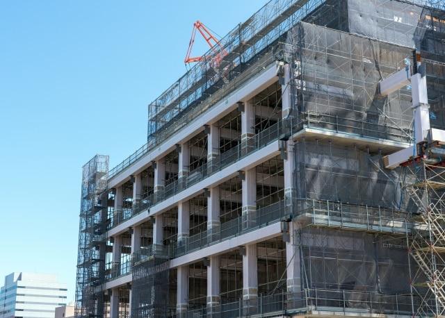 ビルの建築工事現場